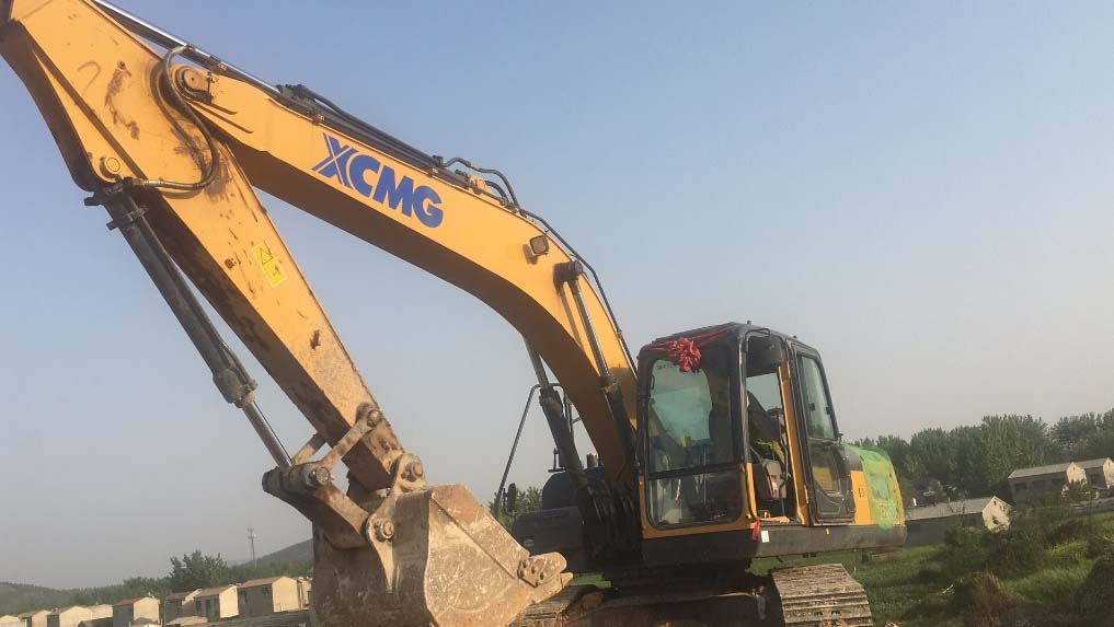 Replace XCMG Excavator Hydraulic Pump Assembly